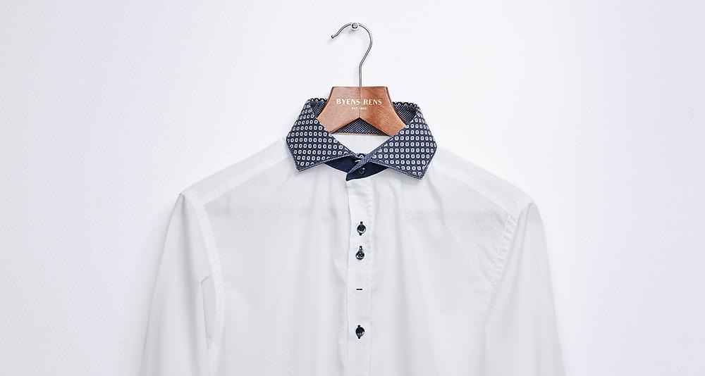 Vask af skjorte